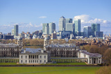 View of the The Old Royal Naval College and Canary Wharf, Taken from Greenwich Park, London Lámina fotográfica por Charlie Harding