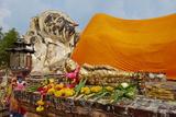 Sleeping Buddha, Wat Lokaya Sutha, Ayutthaya Historical Park, Ayutthaya, Thailand Photographic Print by Tuul
