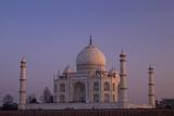 Taj Mahal North Side Viewed across Yamuna River at Sunset, Agra, Uttar Pradesh, India, Asia Papier Photo par Peter Barritt