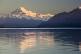 Mount Cook and Lake Pukaki at Sunrise, Mount Cook National Park, Canterbury Region Photographic Print by Stuart Black