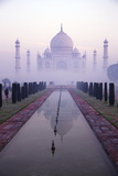 Taj Mahal at Dawn, UNESCO World Heritage Site, Agra, Uttar Pradesh, India, Asia Papier Photo par Peter Barritt