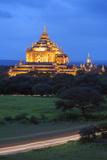 Thatbyinnyu Pahto Temple, Bagan (Pagan), Myanmar (Burma), Asia Photographic Print by Christian Kober
