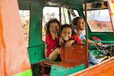 Childhood and Hapiness in Philippines Fotografisk trykk av Antoine Besson