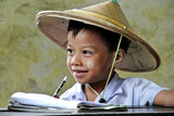 Child from Myanmar Sponsored by the NGO Children of The Mekong Papier Photo par Flavie Lauvernier