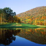 Reflection of a Hill on Water, West Point Golf Course, West Point, New York State, USA Fotografisk tryk af Green Light Collection