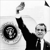 The Presidental Seal at Shoulder for Last Time, Pres Richard Nixon Exits Washington, Aug 9, 1974 Prints