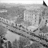 Contestants in the 1948 Tour De France Parade up the Champs Elysees Prints