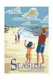 Seaside, Oregon - Kite Flyers Poster by  Lantern Press