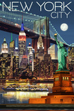 New York City, NY - Skyline at Night Giclee-tryk i høj kvalitet af  Lantern Press