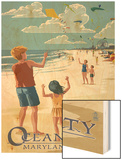 Ocean City, Maryland - Kite Flyers Wood Print by  Lantern Press