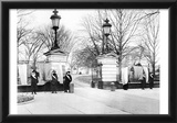 Suffragists Picketing (White House, January 1917) Art Poster Print Poster