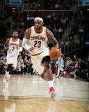 Denver Nuggets v Cleveland Cavaliers Fotografía por Gregory Shamus