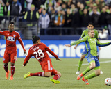2014 MLS Playoffs: Nov 10, FC Dallas vs Seattle Sounders - Osvaldo Alonso Photo by Steven Bisig