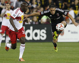 Apr 12, 2014 - MLS: New York Red Bulls vs D.C. United - Fabian Espindola, Ibrahim Sekagya Photo af Geoff Burke
