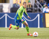 2014 MLS Playoffs: Nov 10, FC Dallas vs Seattle Sounders - Osvaldo Alonso Photo by Joe Nicholson