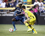 Aug 16, 2014 - MLS: Los Angeles Galaxy vs Columbus Crew - Gyasi Zardes, Giancarlo Gonzalez Photo by Joseph Maiorana
