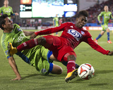 2014 MLS Playoffs: Nov 2, Seattle Sounders vs FC Dallas - Fabian Castillo, Leo Gonzalez Photo by Tim Heitman