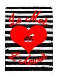 Je Mer et L' Amour - Red Heat - Black and White Stripes Art par  Junk Food