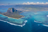 Le Morne Brabant Peninsula, Black River (Riviere Noire), West Coast, Mauritius Fotodruck von Jon Arnold