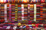 Morocco, Marrakech, Textiles and Fabrics in a Souk Fotografisk tryk af Andrea Pavan