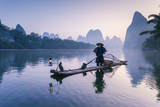 China, Guanxi, Yangshuo. Old Chinese Fisherman Fotografisk tryk af Matteo Colombo