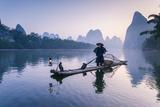 China, Guanxi, Yangshuo. Old Chinese Fisherman Fotodruck von Matteo Colombo