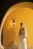 Berber Man in Berber Costume, Merzouga, Morocco, North Africa Papier Photo par Neil Farrin