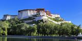 Potala Palace, Lhasa, Tibet, China Fotodruck von Ivan Vdovin