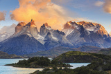Chile, Patagonia, Torres Del Paine National Park (Unesco Site), Lake Peohe Fotografisk trykk av Michele Falzone