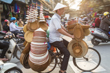 Basket and Hat Seller on Bicycle, Hanoi, Vietnam Lámina fotográfica por Peter Adams