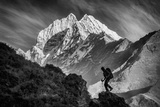 Climbing in the Late Day Sun in the Khumbu Valley in the Everest Region of Nepal Photographie par Cory Richards