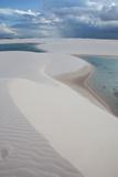 Brazil's Lencois Maranhenses Sand Dunes and Lagoons on a Stormy Afternoon Fotografisk tryk af Alex Saberi