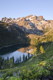 Lower Sardine Lake and Sierra Buttes from Tamarack Lakes Trail Fotografisk tryk af Rich Reid