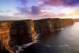 Sunset on the Cliffs of Moher, County Clare, Ireland Fotografisk tryk af Chris Hill
