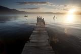 Fisherman, Lago Atitlan, Guatemala, Central America Fotografisk tryk af Colin Brynn