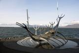 Sculpture of the Sun Voyager, the Harbour, Reykjavik, Iceland, Polar Regions Reproduction photographique par Ethel Davies