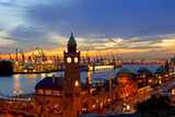 Hamburg Landungsbruecken Sunset Rf Fotografie-Druck von  topaspics