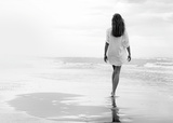 Walking on a White Beach Kunstdruck von Marco Milillo