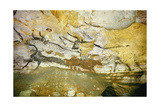 Lascaux Caves, Right Wall of the Hall of Bulls, C. 17,000 BC Giclee Print