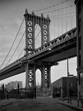 Manhattan Bridge Tower Brooklyn Muursticker van Henri Silberman