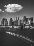 White Cloud over Brooklyn Bridge Boat Autocollant mural par Henri Silberman