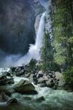 Misty Lower Yosemite Falls, California Lámina fotográfica por Vincent James