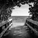 Boardwalk on the Beach Fotografisk tryk af Philippe Hugonnard