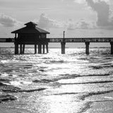 Fishing Pier Fort Myers Beach at Sunset - Florida Fotografisk tryk af Philippe Hugonnard