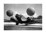 Passagierflugzeug auf dem Flughafen München, 1934 Photographic Print by  Scherl