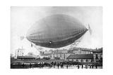 """Der Ballon """"Pax"""" von M. Severo vor dem Unglück in Paris, 1902 Photographic Print by  Scherl"""