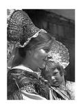 Frau mit Tracht in Vorarlberg, 1938 Impressão fotográfica por Scherl Süddeutsche Zeitung Photo