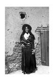 Bewaffnete Mexikanerin, 1914 Photographic Print by  Scherl