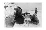 Frauen waschen Wäsche in Leningrad, Winter 1925/26 Photographic Print by  Scherl