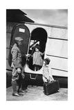 Zwei Kinder an einem Flugzeug der Lufthansa, 1928 Photographic Print by  Scherl